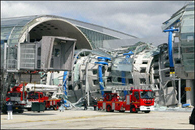 Terminal Collapse At Paris Cdg Airport On May 23 2004